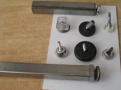Niveladores con rotulaRegatones, remates
